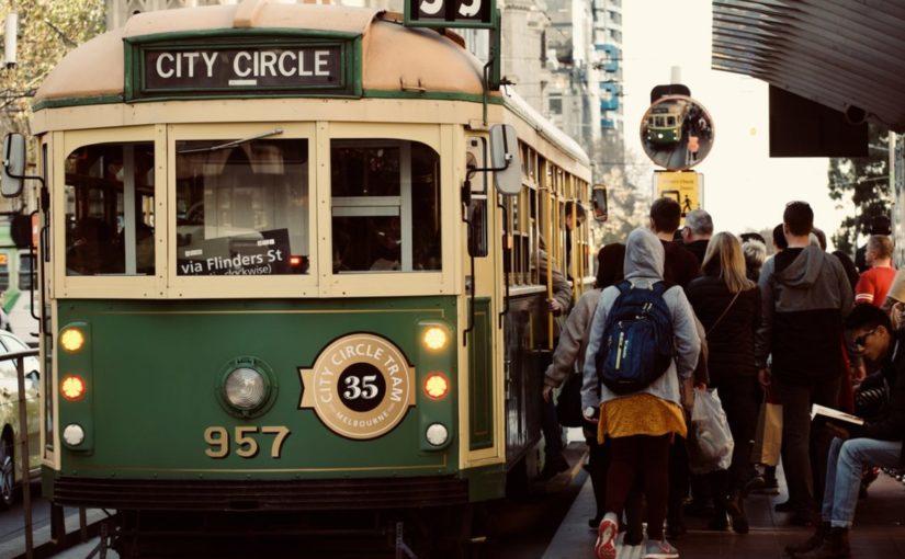 Смешная история о том, как двое незнакомцев уснули в трамвае